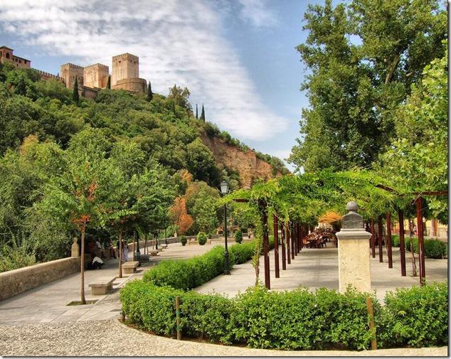 Сад у подножия Альгамбры